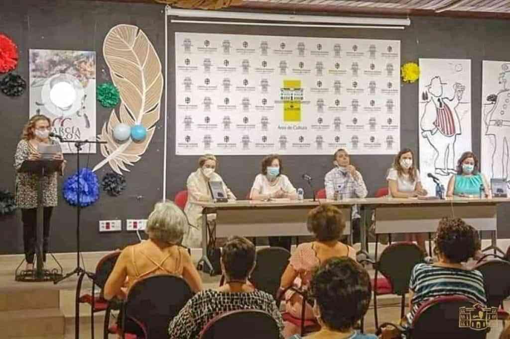 encuentro literario rafael cabanillas tomelloso - Encuentro literario con Rafael Cabanillas del Club de Lectura de la Biblioteca de Tomelloso