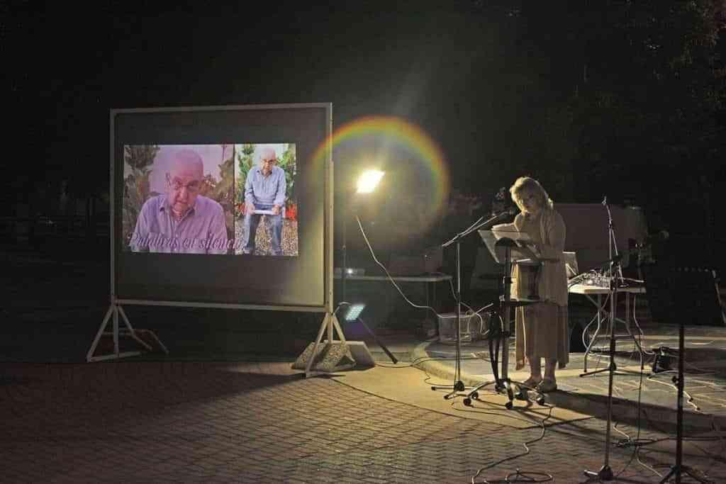 homenaje 5 e1624325647630 - Familia, poetas y amigos rindieron un emotivo homenaje al poeta rabanero Manuel Muñoz Moreno con 'Palabras en silencio' en su pueblo natal