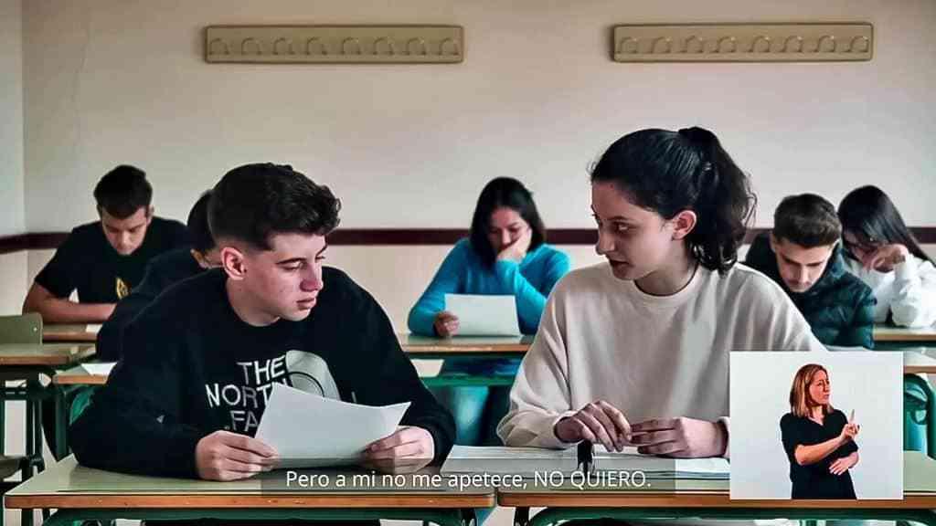 jovenes - Jóvenes intérpretes rabaneros de 4º de la ESO dieron una lección audiovisual contra el machismo temprano