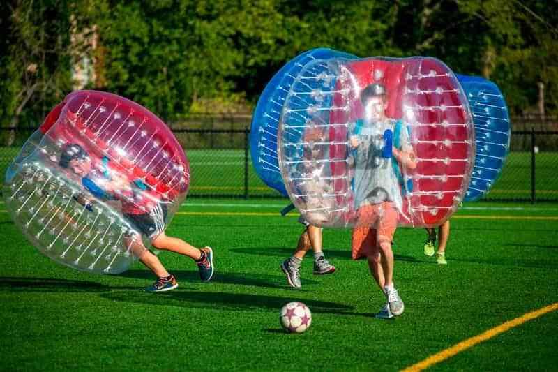 futbol burbuja - El Ayuntamiento de Argamasilla de Calatrava apuesta por unas fiestas deportivas bajo el lema 'Diviértete con responsabilidad'