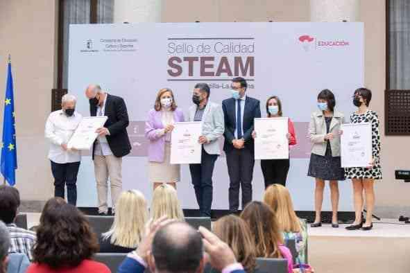 El Gobierno regional otorga un sello de calidad a 46 - El Gobierno regional otorga un sello de calidad a 46 centros educativos que desarrollan proyectos STEAM en Castilla-La Mancha